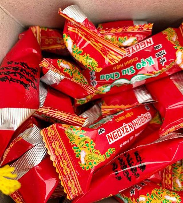Mỗi khi Tết đến, cửa hàng kẹo Sìu Châu của gia đình ông Thọ ước tính bán được 30 tấn kẹo phục vụ cho người dân khắp mọi miền Tổ Quốc.